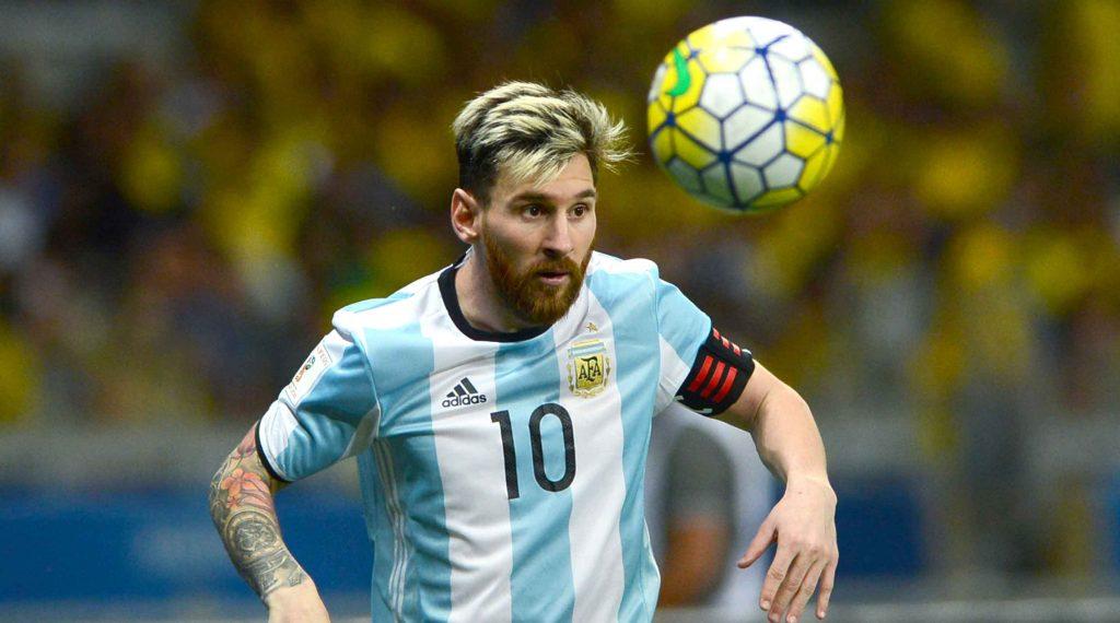 Claudio Tapia Ingin Messi Bermain Lebih Sedikit Untuk Barcelona